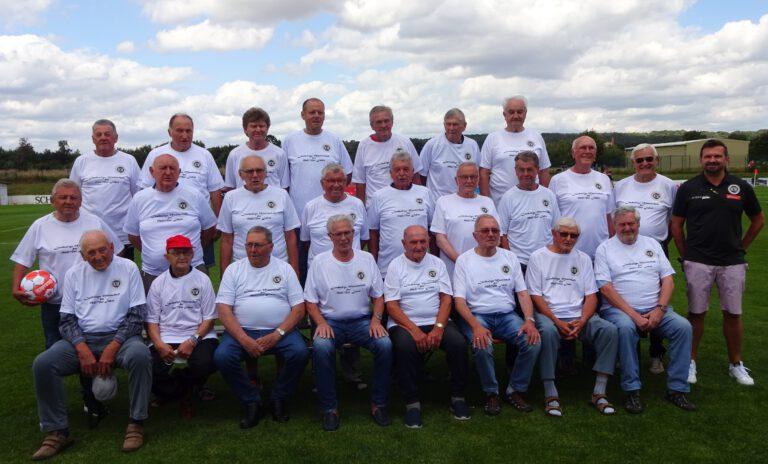 Treffen mit den Landesliga Legenden der 1960/70er Jahre vor dem 1. Heimspiel gegen SV Memmelsdorf